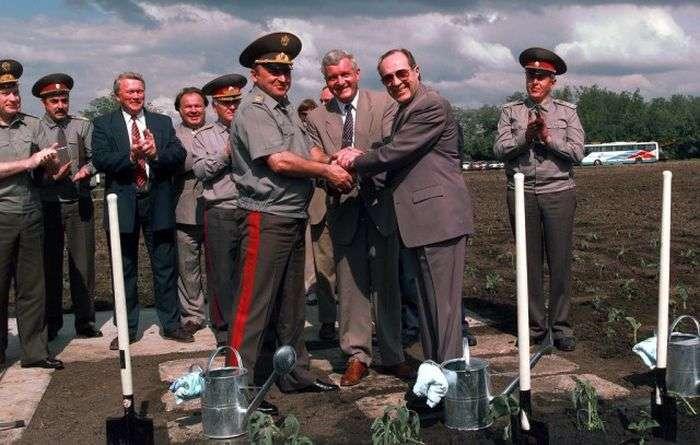 Значимые события 1996 года (18 фото)