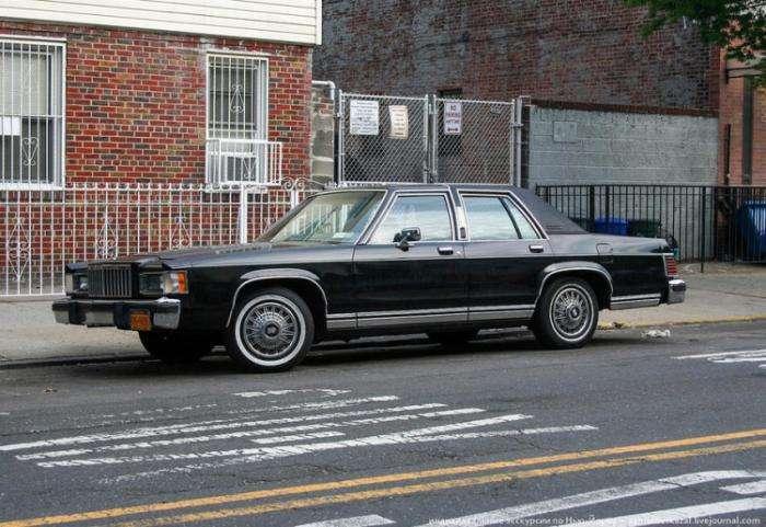 Старые автомобили на улицах Нью-Йорка (41 фото)
