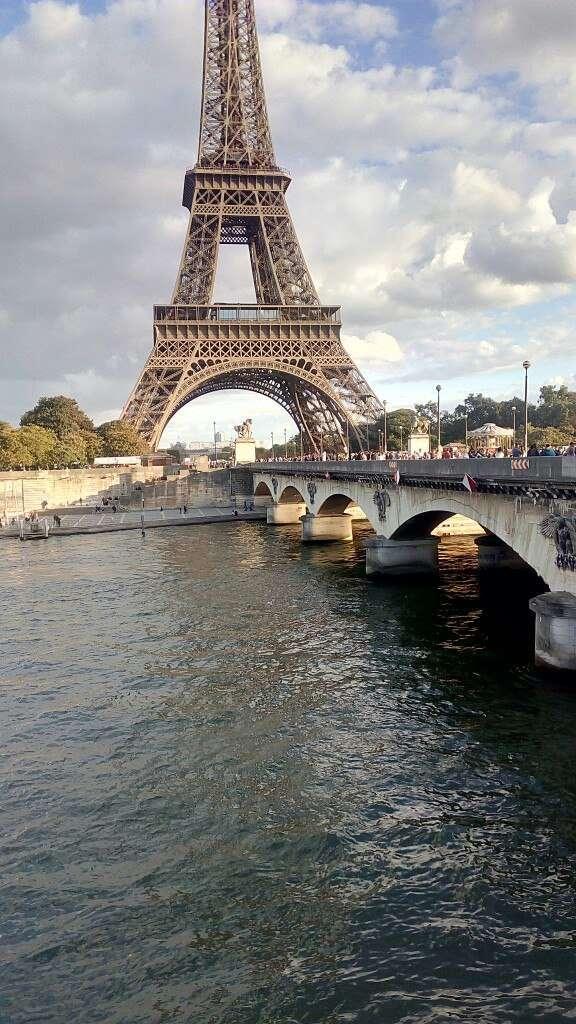 О поездке во Францию: