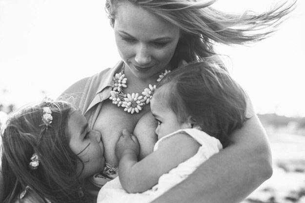 Фотосессия кормящей мамы, которая произвела настоящий фурор в интернете (7 фото)