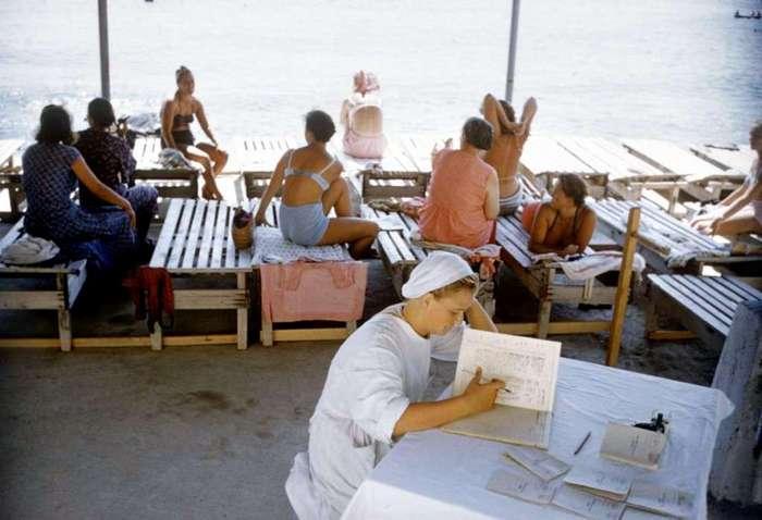 Крымские пляжи в 1958-м (8 фото)