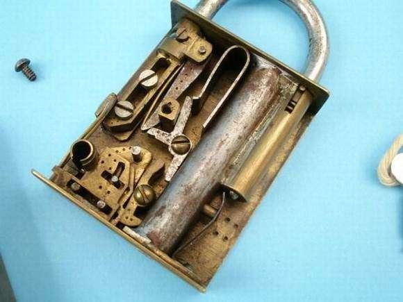 Миниатюрное оружие (113 фото)