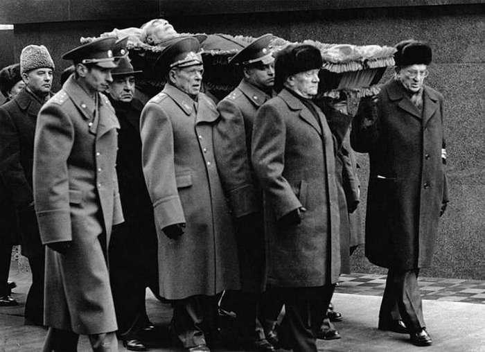 Как умирают вожди. От Сталина до Ислама Каримова