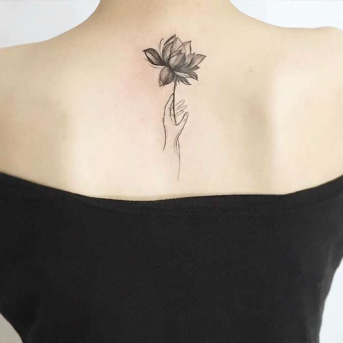 Большое в малом: 20 небольших татуировок со смыслом, которые западают в самое сердце