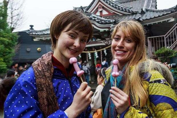 Счастливые лица участников фестиваля железных пенисов (18 фото)