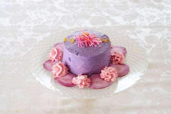 Эти великолепные торты сделаны из салата, из-за чего даже немного обидно (9 фото)