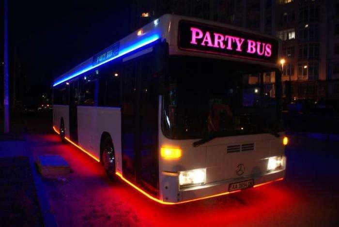 Party bus - лучший выбор для зажигательной вечеринки (6 фото)