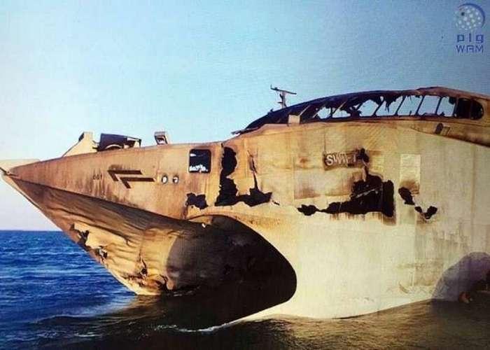Американский чудо-катамаран HSV-2 Swift сгорел