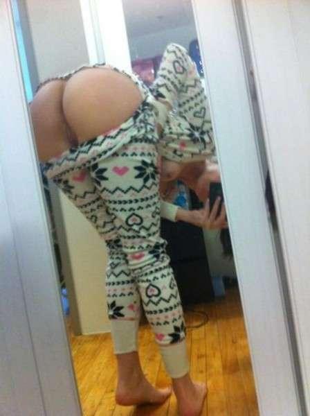 Неплохая подборочка женских задниц (18+) (20 фото)