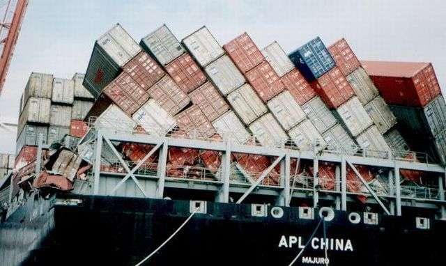 Аварии на морских перевозках (58 фото)
