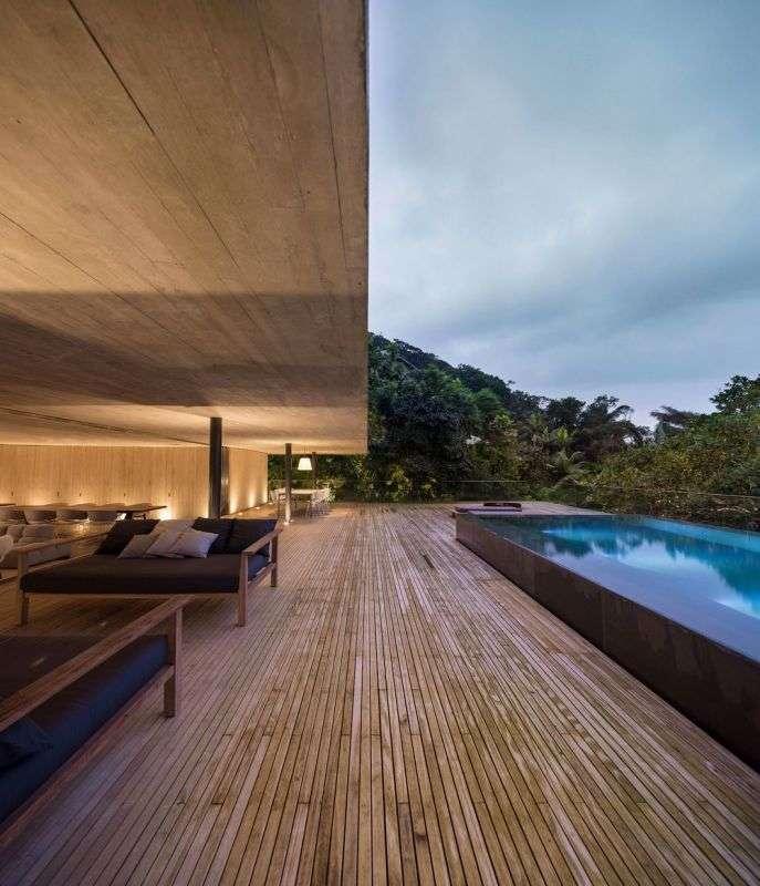 Особняк в бразильских джунглях (17 фото)