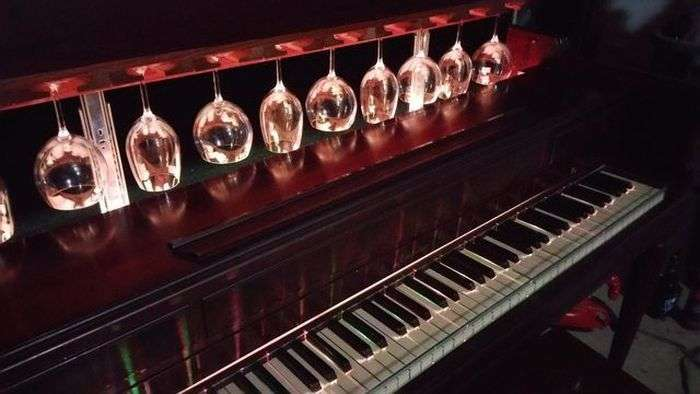 Домашний бар из старого пианино (13 фото)