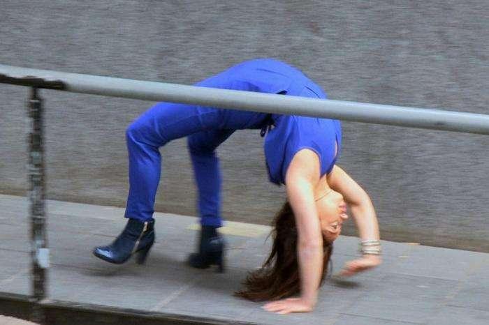 Очень гибкая девушка — Лейлани Франко (11 фото)