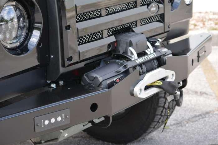 Land Rover Defender жив: энтузиасты взялись за апгрейд легендарного автомобиля