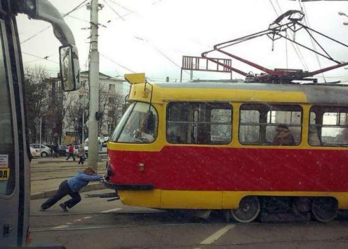 20 юмористических фотографий про общественный транспорт