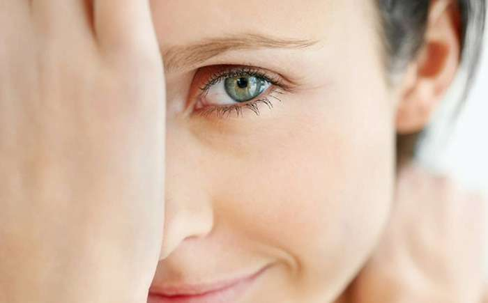 Уход за кожей глаз после 25: 3 супер-секрета молодости