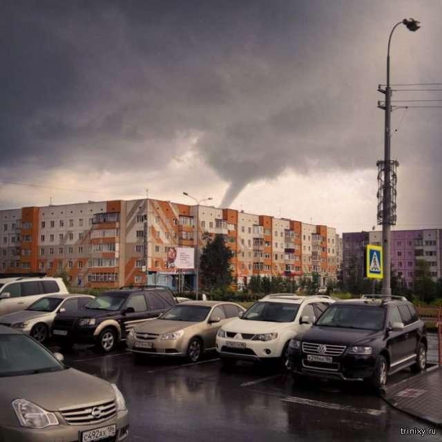 Смерч в Сургуте (7 фото)