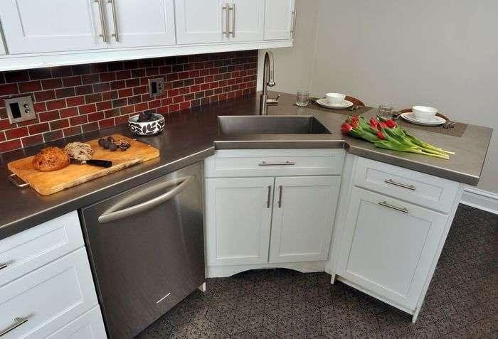 Как удачно вписать холодильник в интерьер кухни: 11 замечательных примеров