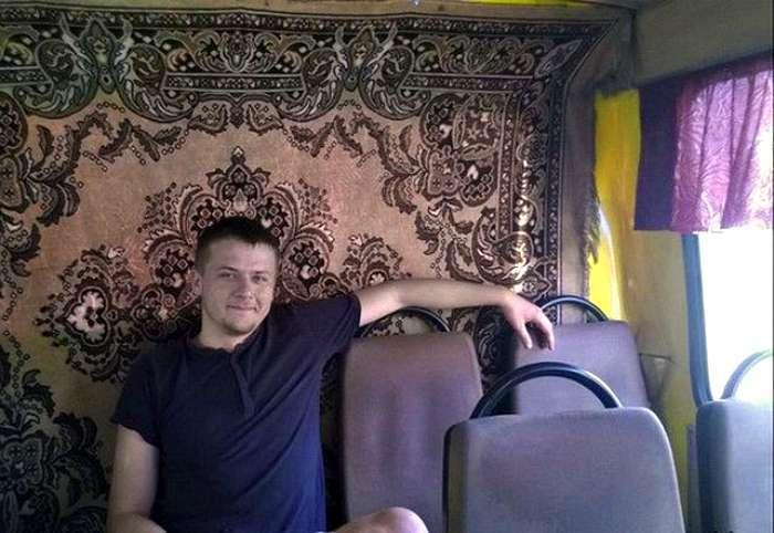Любимая и непобедимая: 17 курьезных снимков из жизни россиян