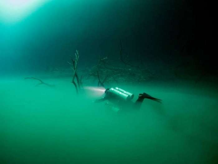 Необычное «озеро» в затопленной пещере