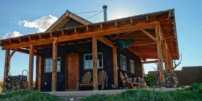 Небольшой дом из соломенных тюков в США (16 фото)