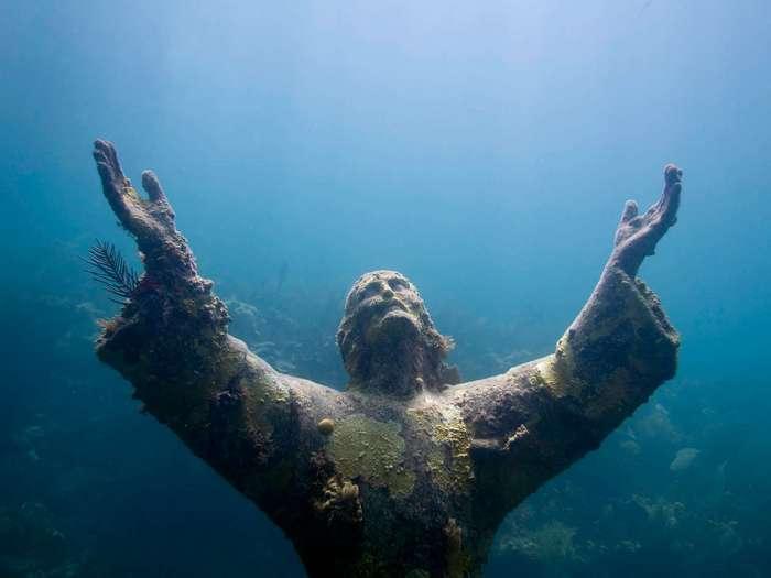 Самые интересные подводные достопримечательности мира