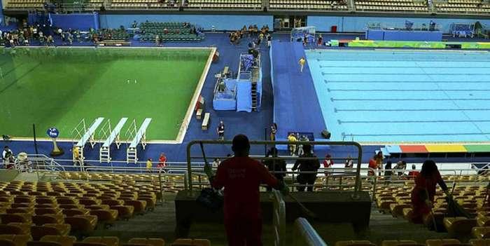 Бассейн на Олимпиаде в Рио вдруг позеленел, и никто не признается