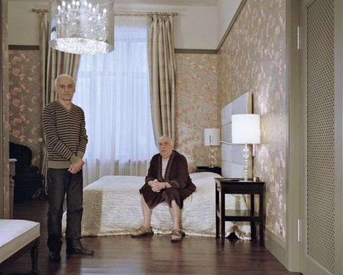 Российская элита и их слуги в фотопроекте Лилии Ли-ми-ян «Мастера и слуги» (24 фото)