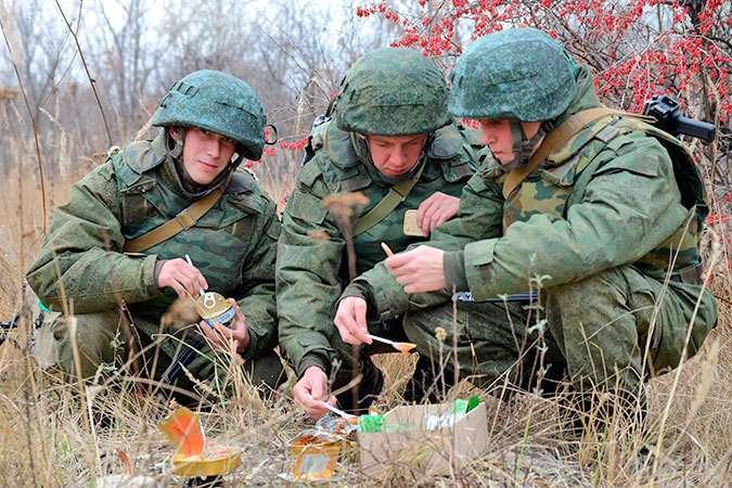 Что едят солдаты разных стран в бою? История армейских сухпайков