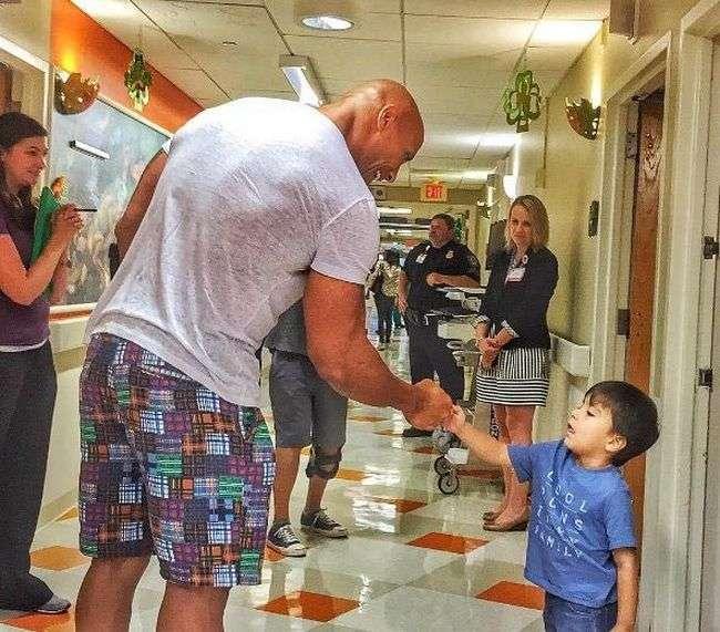 Дуэйн Джонсон осуществил мечту своего 7-летнего поклонника