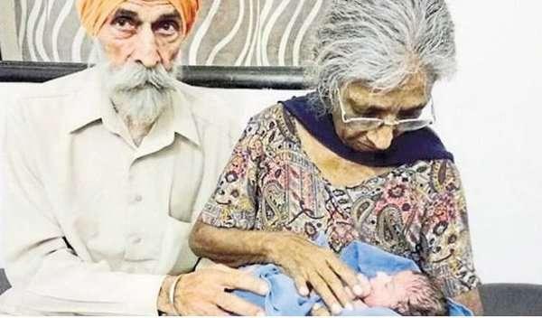 70-летняя жительница Индии в первый раз в жизни стала мамой