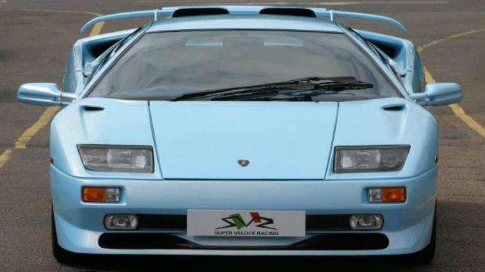В продаже голубой Lamborghini Diablo SV 1998 года (8 фото)