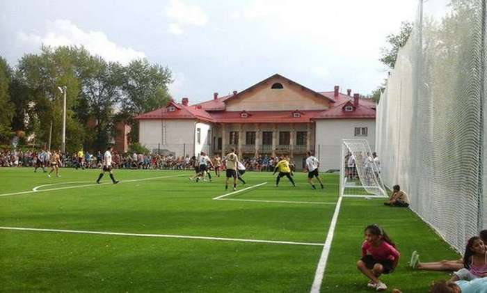 Пример для остальных. Олег Шатов подарил жителям Нижнего Тагила стадион