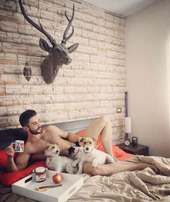 18 уморительных мужских пародий на «типичные» женские фото в Инстаграм