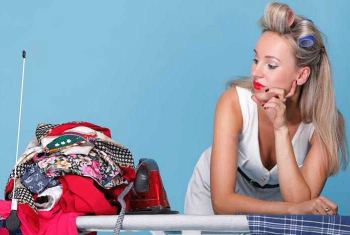 Пригодится каждому: 17 простых хитростей, которые помогут привести в порядок одежду и обувь