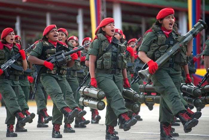 Женщины-военнослужащие в армиях разных стран мира