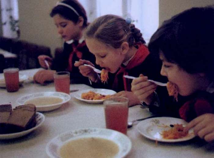 Омерзительная восьмерка блюд из нашего детства (9 фото)
