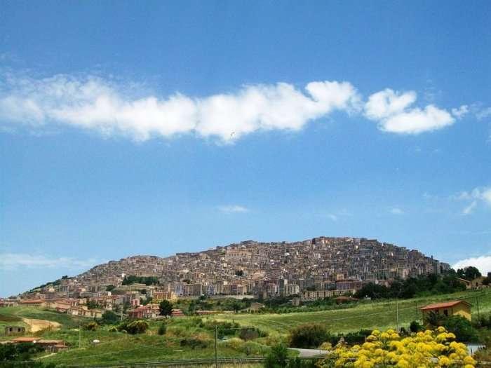 Ганджи – город который продал сам себя (14 фото)