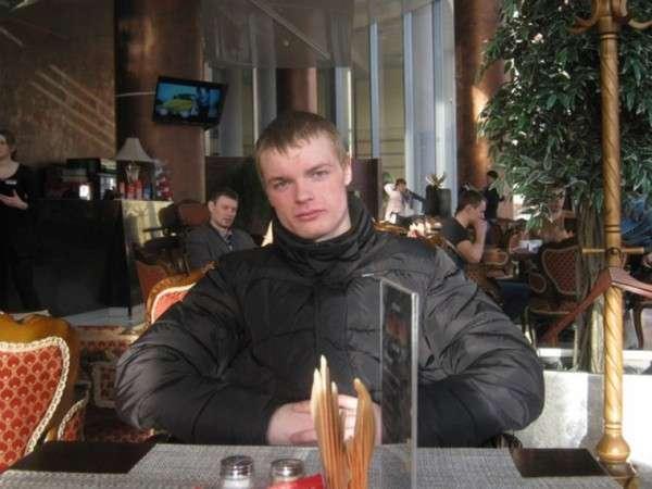 В Серове молодой человек поймал выпавшую с 4 этажа годовалую девочку