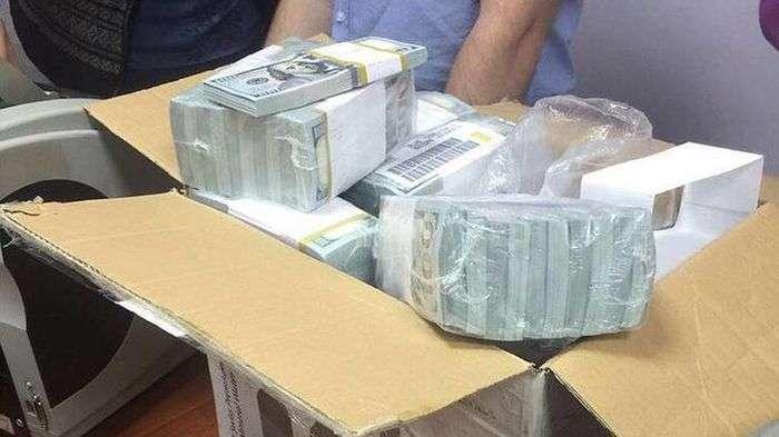 У полковника МВД обнаружили 120 млн долларов наличными (6 фото)