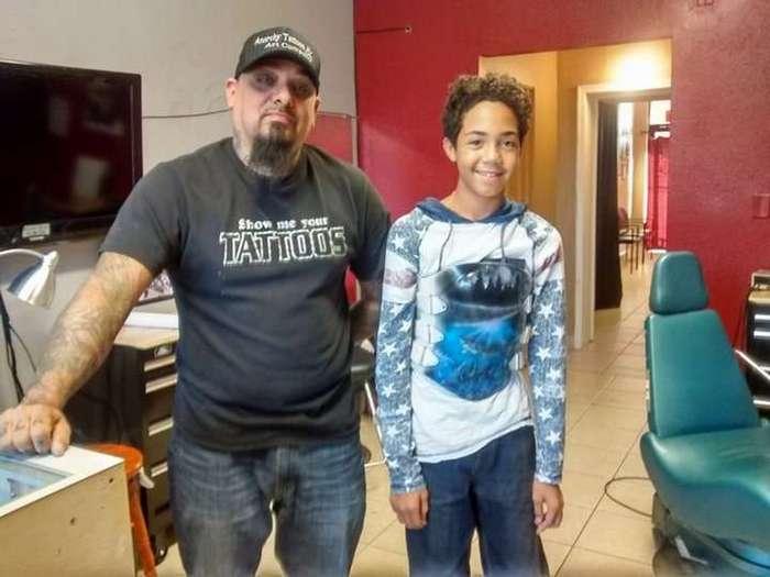 Как татуировщик спас мальчика от насмешек одноклассников