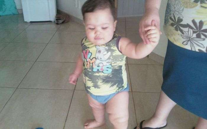 Пятилетний мальчуган, который весит как взрослый мужик, рискует закормить себя до смерти (9 фото)
