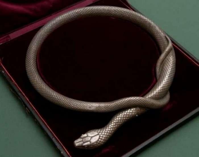 Змейка с секретом