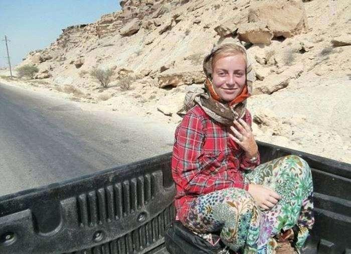 Девушка автостопом объездила 50 стран (13 фото)
