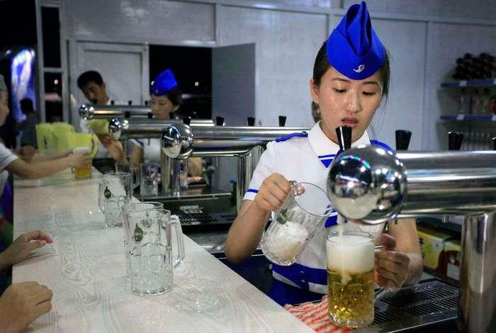 В Северной Корее прошел первый пивной фестиваль, и это было даже весело