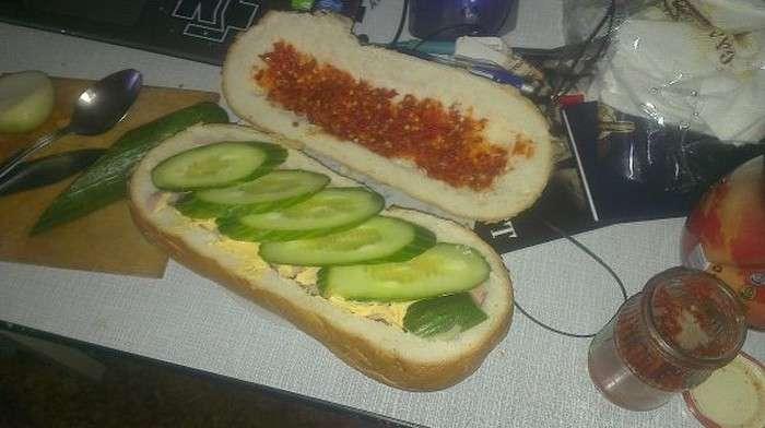 Горячий бутерброд для голодного мужика (13 фото)