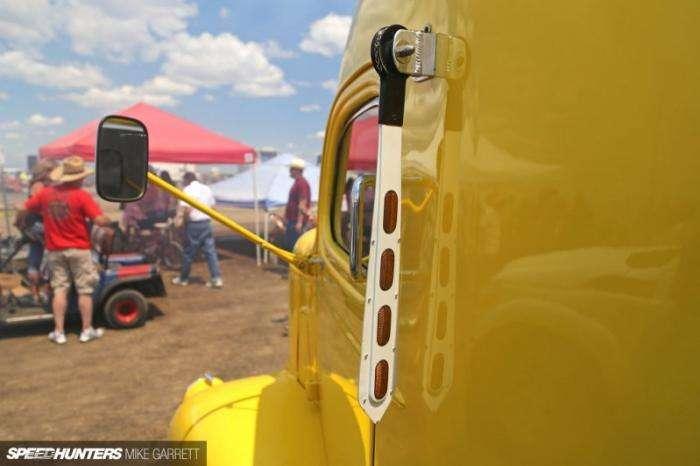 Потрясающий тягач-стримлайнер для перевозки автомобилей (9 фото)