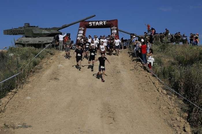 Грязевые гонки (Mud Race) в Испании (29 фото)