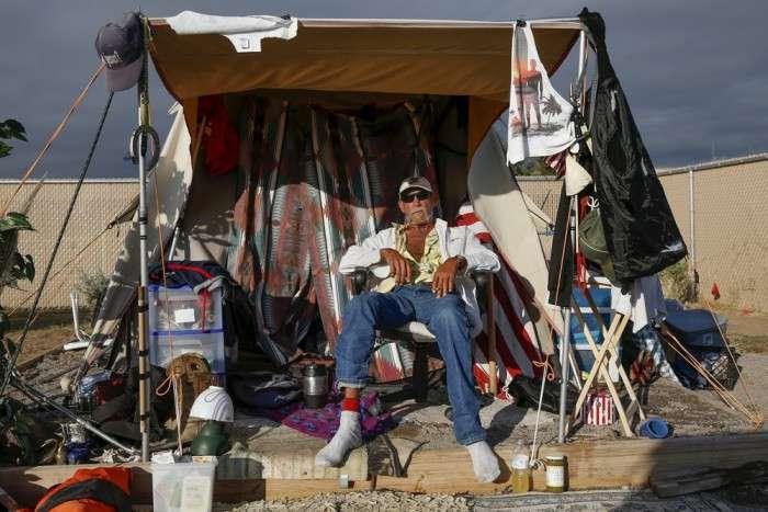 Палаточный городок американских бездомных (35 фото)