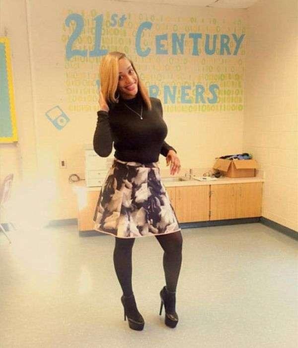 Обтягивающее платье фигуристой учительницы стало причиной споров в сети (14 фото)